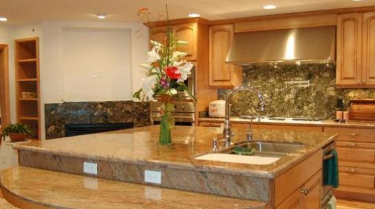 A Kitchen With Granite Countertops And Backsplash You Ll Have Confidence When Choosing Quality Marble Supplier Listed Above Because