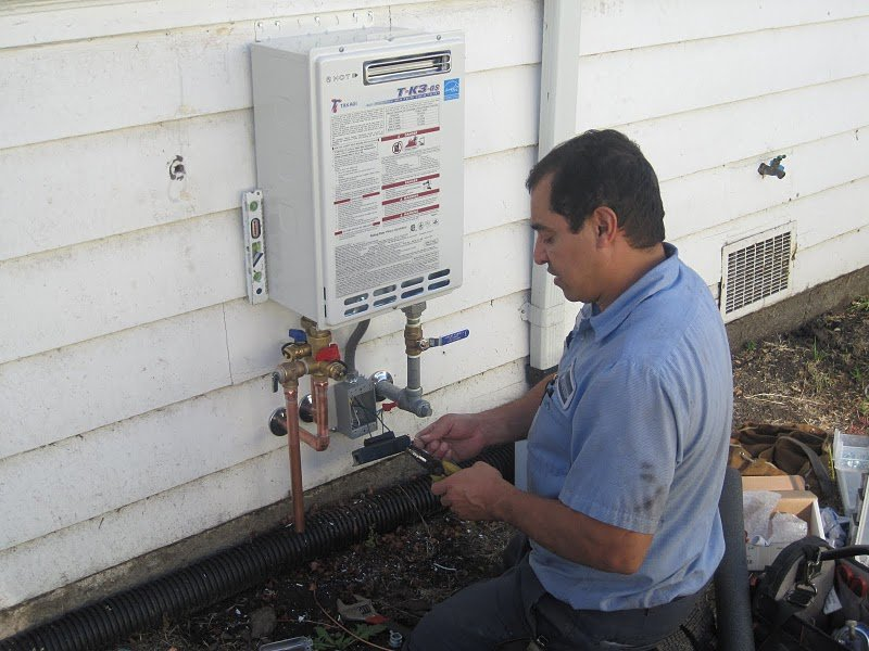 5 factors for tankless water heater installation | diamond certified