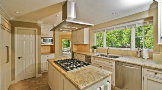 A Spacious And Gorgeous Kitchen Space Created By A Diamond Certified Kitchen  And Bath Showroom In Marin County. Youu0027ll Feel Confident Choosing Among The  ...