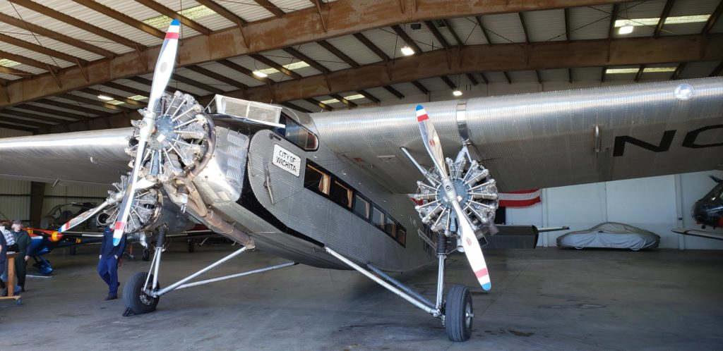 vintage airplane at pacific states aviation