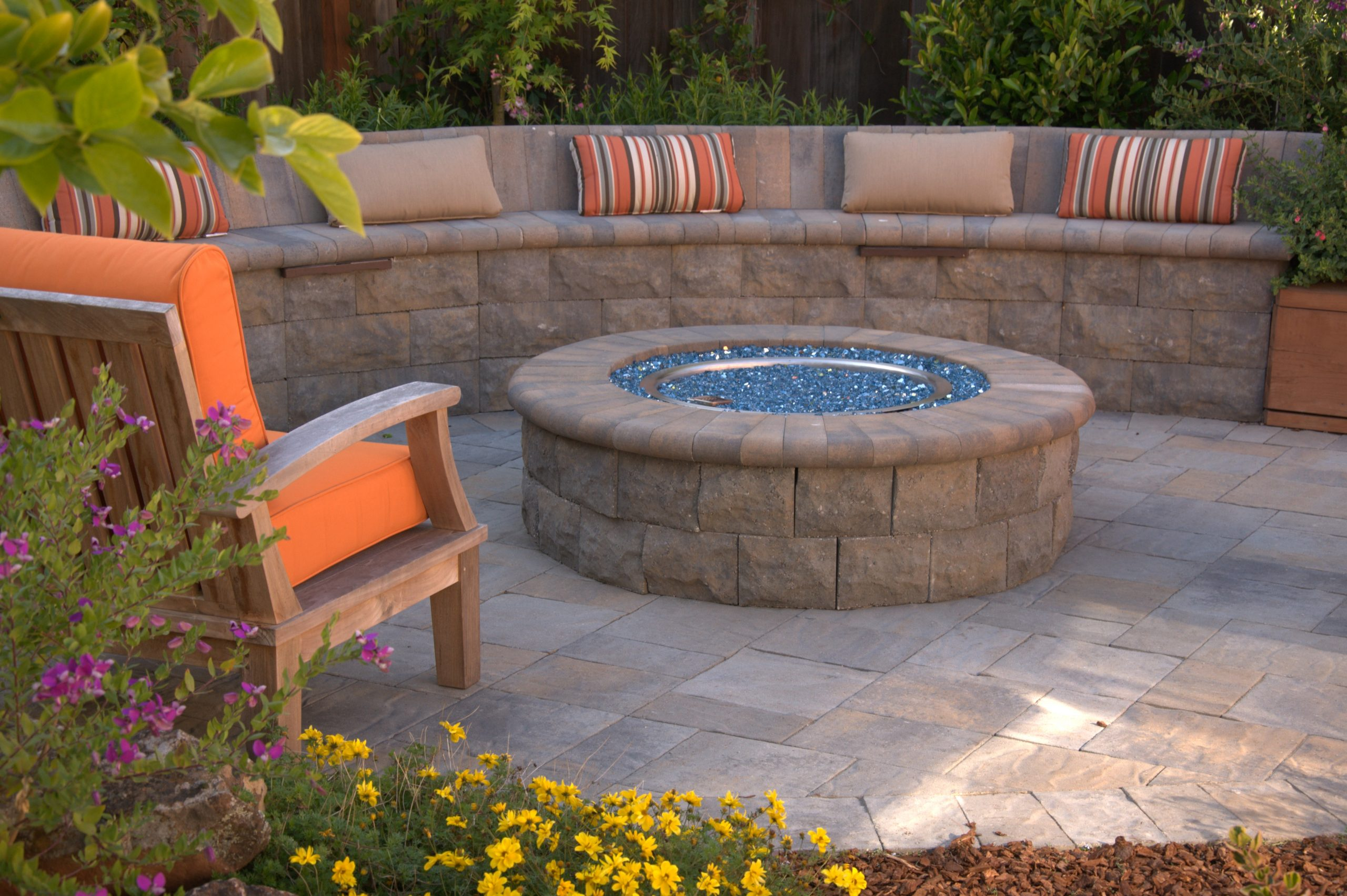 paver outdoor living space fireplace