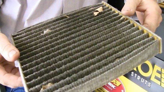 dirty cabin air filter