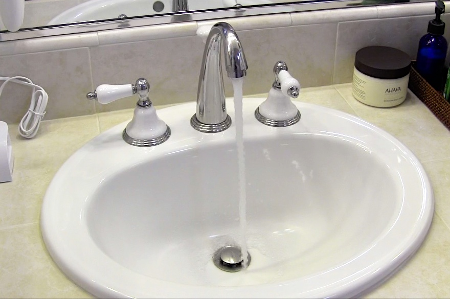 Installing low-flow faucet aerators and other fixtures can substantially reduce your home's overall water usage. Photo: The Lunt Marymor Company (2015)