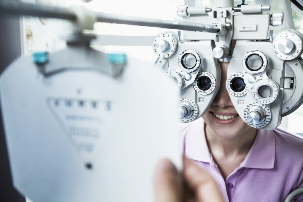 optometry-basics-eye-vision-exam